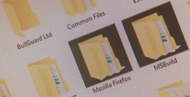 Cómo solucionar el problema de fondo de carpeta negra en Windows 10