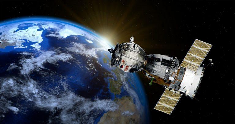 Amazon Lanzará 3,236 Satélites para Proporcionar Internet en todo el Mundo